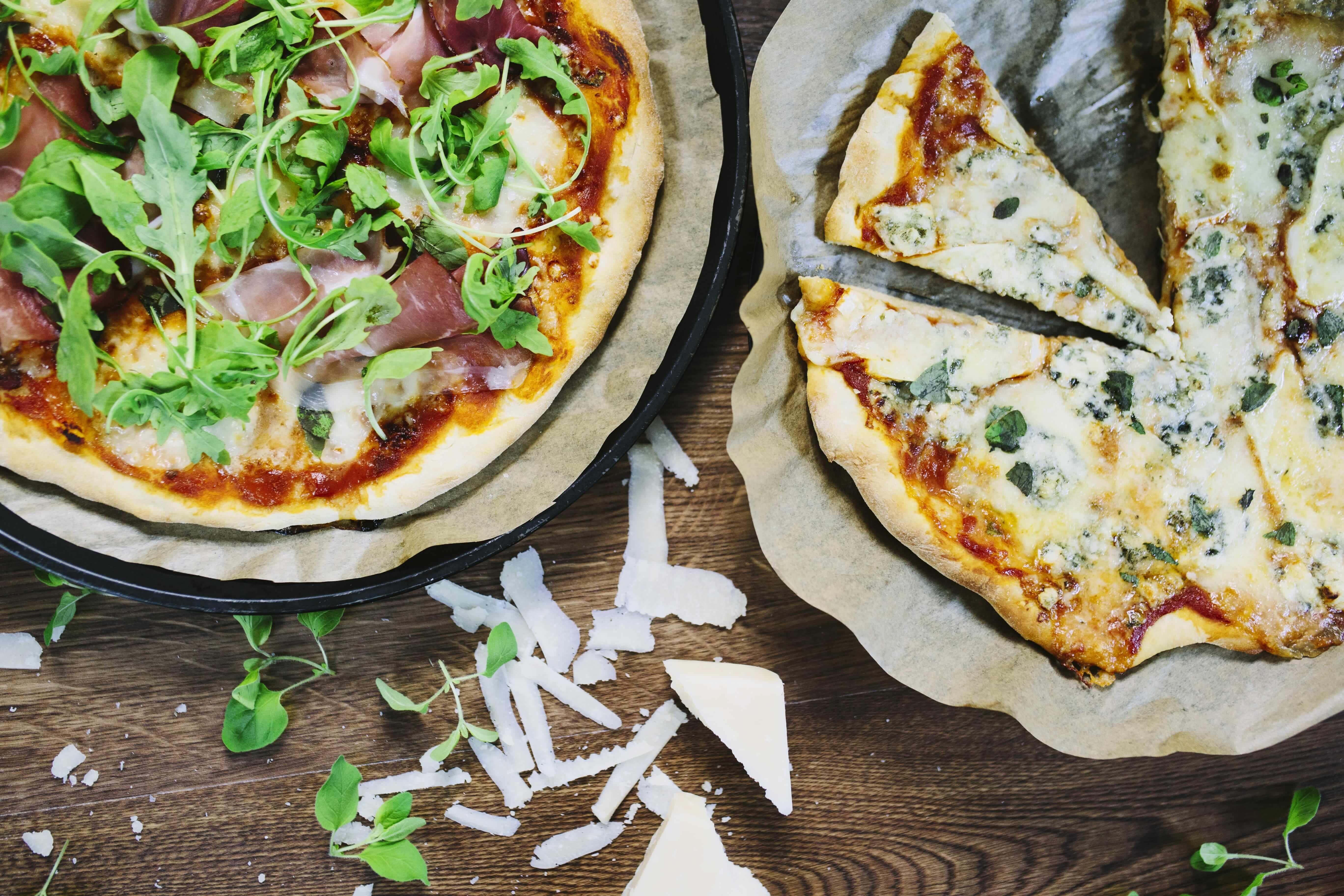 Pizza s čerstvým oreganem