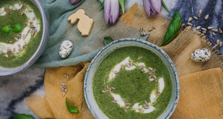 Špenátovo-brokolicová polévka s bazalkou